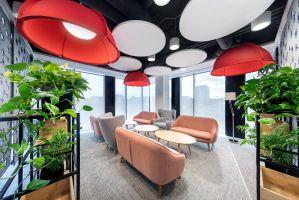 Na każdym etapie powstawania projektu poszczególne elementy były dyskutowane i weryfikowane przez grupę projektową złożoną z pracowników AstraZeneca. Projekt: Massive Design. Fot. Szymon Polanski