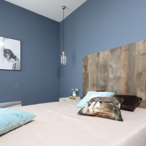 Ściana za łóżkiem. 25 dobrych pomysłów. Projekt: Anna Krzak. Fot. Bartosz Jarosz