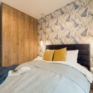 Ściana za łóżkiem. 25 dobrych pomysłów. Projekt: KODO Projekty i Realizacje