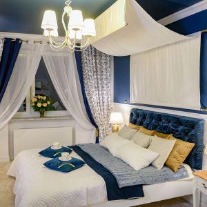 Ściana za łóżkiem. 25 dobrych pomysłów. Projekt: Mirella Firchał-Kępczyńska. Fot. Interior360