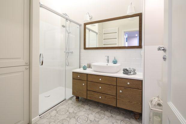 Łazienka z prysznicem: 12 dobrych projektów