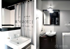 Zamiast kosztownej wymiany płytek, projektanci zdecydowali się na pomalowanie kafli łazienkowych. Projekt: MAKA Studio.