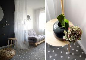 Architekci uznali za konieczne przykrycie podłogi w jednym w pokoi wykładziną. Projekt: MAKA Studio.