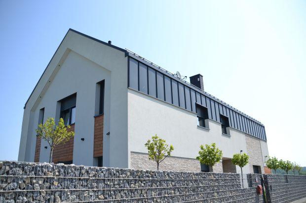 Dom bez okapu - kwadratowe systemy rynnowe