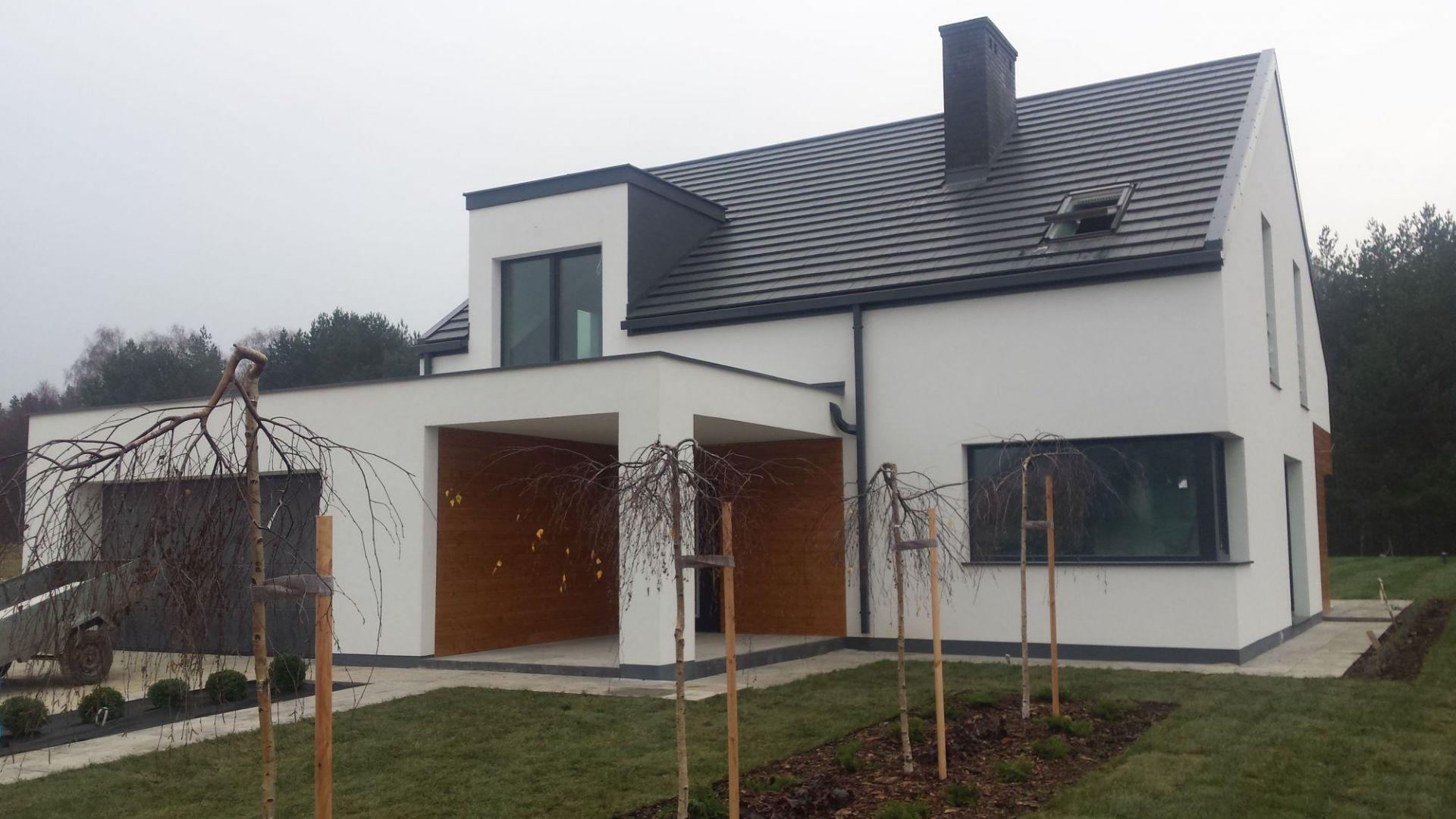 Dom bez okapu - zalety systemy rynnowego o kwadratowym przekroju. Fot. Galeco