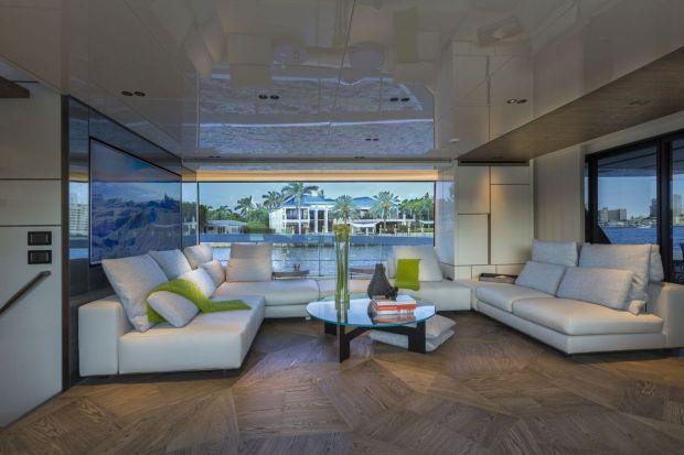 Spokój pośród fal - zobacz wnętrze luksusowego jachtu