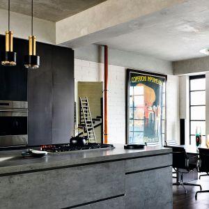 BETON - kamień spiekowy to innowacyjny materiał, który sprosta różnym wyzwaniom kuchennym. Ciemny kolor betonu zapewni atrakcyjny wygląd kuchni. Fot. Neolith