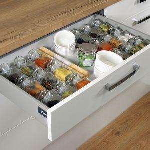 Szuflada Comfort Box z organizerem na przyprawy. Fot. Rejs