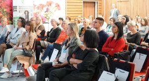 18 września Studio Dobrych Rozwiązań gościło w Bydgoszczy. Na program spotkania dla architektów i projektantów wnętrzzłożyły się prezentacje partnerów wydarzenia, dyskusje i wykłady, a na stoiskach można było poznać bliżej ofertę prod