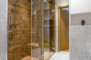 Łazienka z prysznicem we wnęce. Projekt i zdjęcia: Marzena Pieńkowska (Studio Modelowania Przestrzeni)