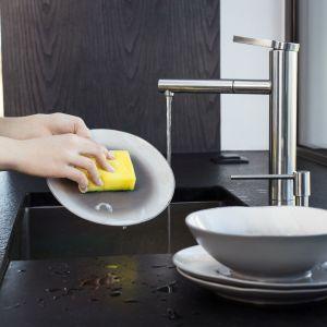 Rozpocznij dzień na czysto: zmywak 3+2 marki Vileda. Fot. Vileda