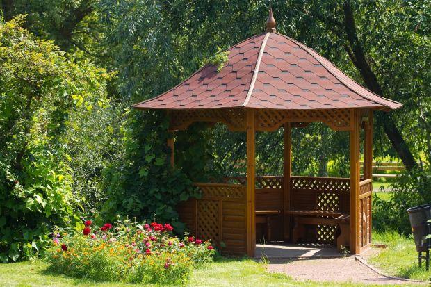 Drewno w ogrodzie - kompleksowa ochrona po sezonie