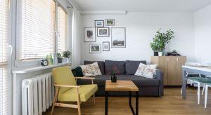 Inwestorzy postawili przed projektantką: Magdaleną Miszczyk-Tatarą zadanie przekształcenia ich50-metrowego mieszkania w bloku z wielkiej płyty w jasne, przestronnewnętrze.