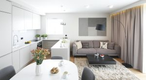 Mały salon, a z takimi często mamy do czynienia w polskich mieszkaniach, sprawia niejednokrotnie dużyproblem. Jak go urządzić? Zobaczcie pomysły projektantów i architektów wnętrz.