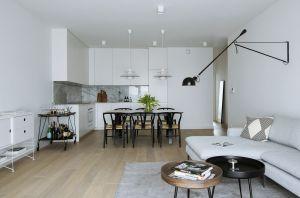 74-metrowe mieszkanie w sPlace Park zostało zaprojektowane w minimalistycznym, nieco ascetycznym stylu. Projekt: Madama. Fot. Yassen Hristov