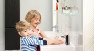 Łazienka to miejsce, w którym spotkać możemy inteligentne rozwiązania. Samoczyszczące się toalety, wanny z hydromasażem czy lustra ze zintegrowanym wyświetlaczem -a to wszystko sterowane za pomocą smartfona! Również baterie zaskakują użytk