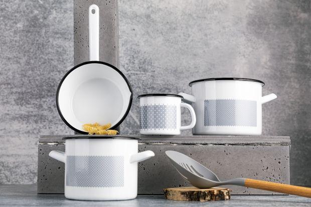 Naczynia do kuchni: emaliowane garnki, kubki, rondelki