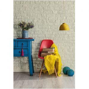 Cegła we wnętrzu pomalowana farbą Beckers Designer Kitchen & Bathroom w kolorze Comfort.  Fot. Beckers