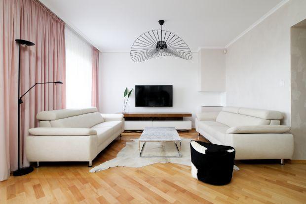 Nowoczesna wnętrze: zobacz piękne, jasne mieszkanie z charakterem