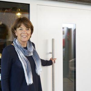 Aluminiowe drzwi zewnętrzne marki Hörmann mają bardzo dobrą izolacyjność cieplną i standardowo wykonywane są w klasie RC 3. Fot. Hörmann
