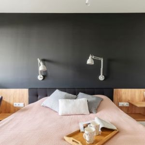 Przytulna sypialnia. Projekt i zdjęcia: Deer Design