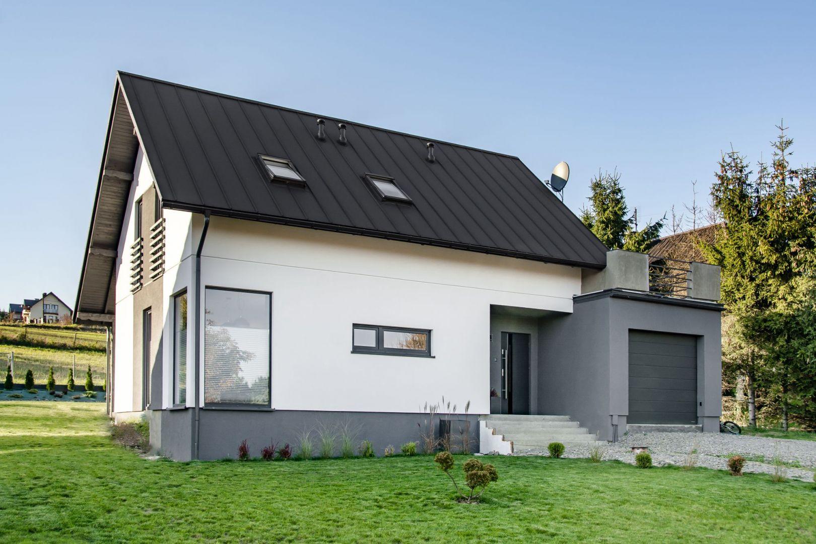 Nowoczesny dach: panele High-Tech z blachy na rąbek stojący. Fot. Blachotrapez