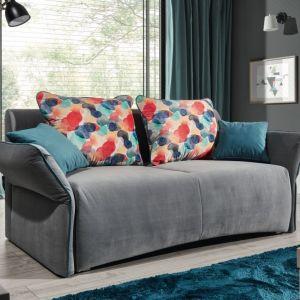 Szara sofa do salonu z kolekcji Vario dostępna w ofercie firmy Stagra. Fot. Stagra