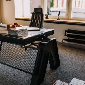 Biurko SteelOffice/Factory Design. Produkt zgłoszony do konkursu Dobry Design 2020.