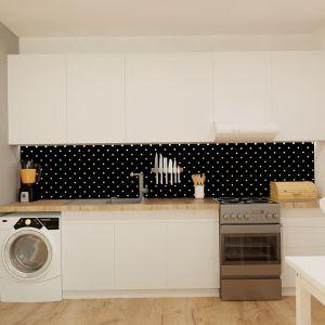 Akcent kropek obecny jest również nad blatem w kuchni. Fot. aledesign.pl