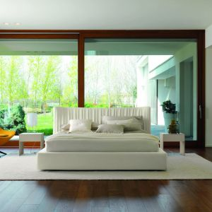 Łóżko tapicerowane z kolekcji Shellon dostępne w ofercie firmy Desiree. Fot. Desiree