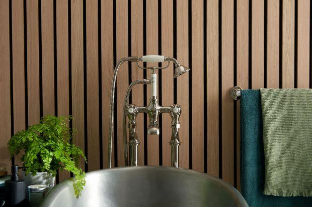 Wolnostojąca bateria wannowa z zestawem prysznicowym. Produkt zgłoszony do konkursu Dobry Design 2020.
