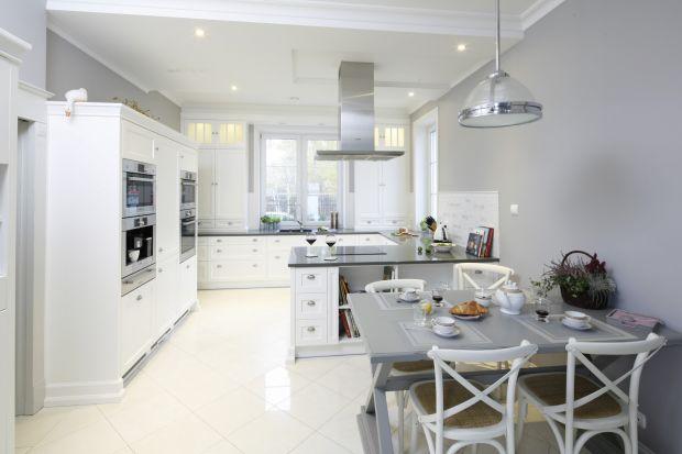 Piękna kuchnia: wnętrza w klasycznym stylu