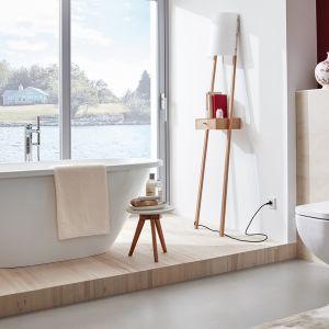 Produkty z różnych odsłon kolekcji Derby różnią się między sobą designem, ale jednocześnie są spójne pozwalając na stworzenie harmonijnej aranżacji łazienki. Fot. Vigour