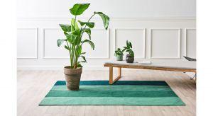 To wyjątkowy dywan, którego produkcji przyświeca idea zrównoważonego rozwoju, recyklingu i upcyclingu. Dywan wykonany jest z butelek PET wyłowionych z oceanu i jest miły w dotyku jak wełna.Produkt zgłoszony do konkursu Dobry Design 2020.