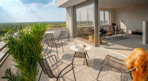 W nowych inwestycjach mieszkaniowych pojawia się coraz więcej dużych mieszkań. To reakcja deweloperów na zmieniające się preferencje nabywców, którzy potrzebują większych przestrzeni. Jak urządzić kilkupokojowe mieszkanie, aby w pełni wykorz