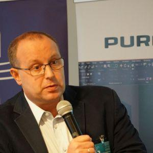 Jakub Tomaszek, reprezentujący marki Jaquar i Artize.