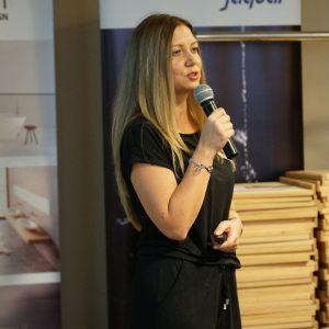 Anna Kowalska, reprezentująca markę Laveo.