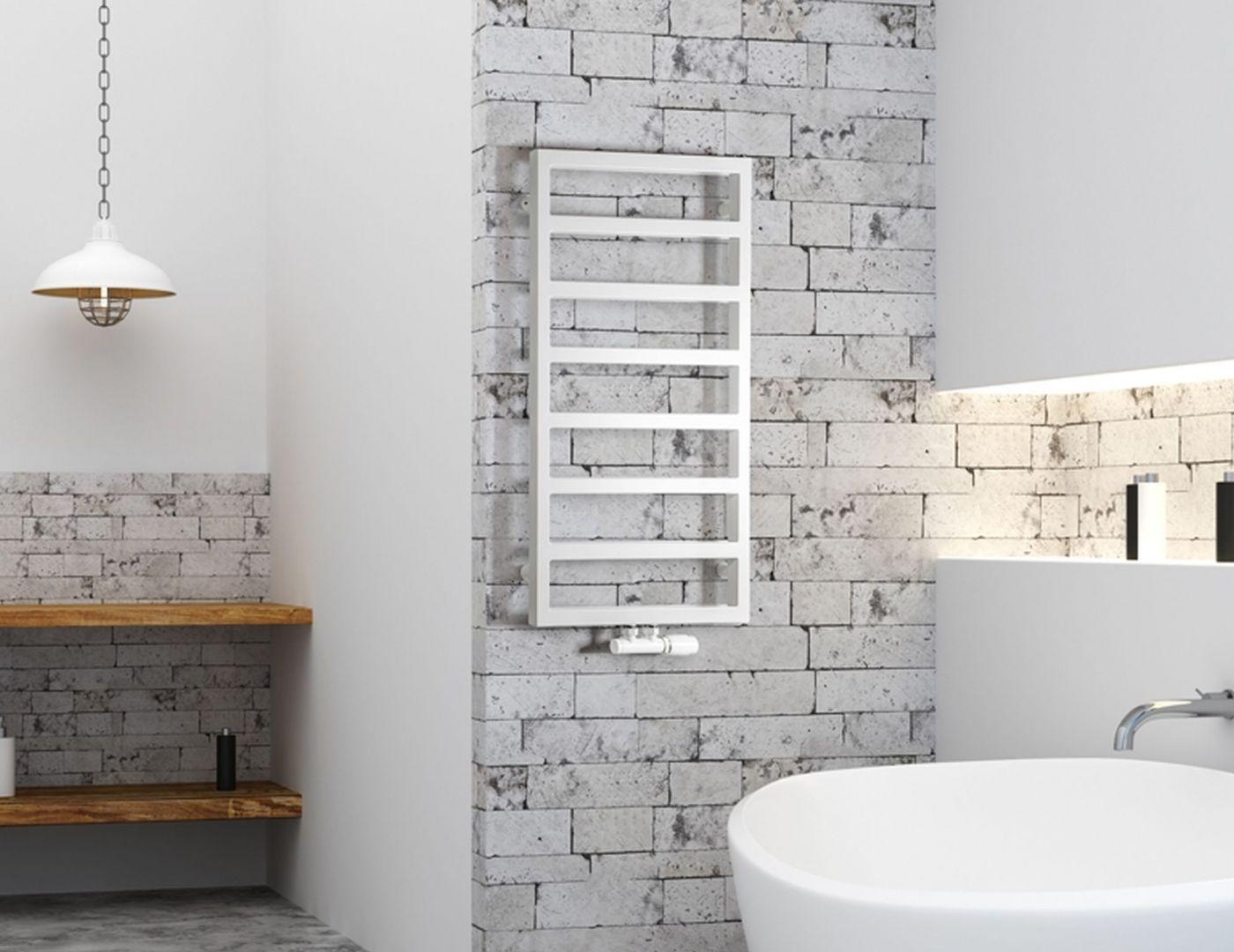 Ogrzewanie w dużym domu: grzejnik łazienkowy Atria z oferty Luxrad. Fot. Luxrad
