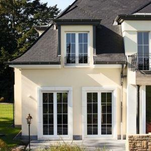 Okna do domu w stylu rustykalnym. Fot. Awilux/Schüco