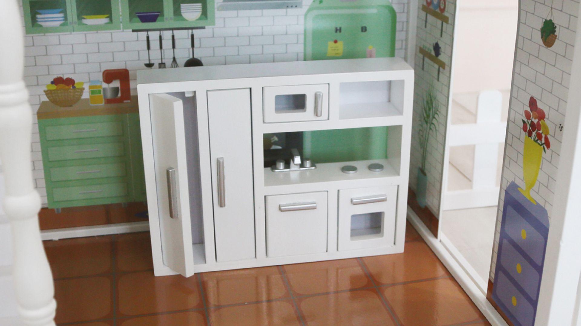Drewniany domek dla lalek Monika. Fot. 4iQ