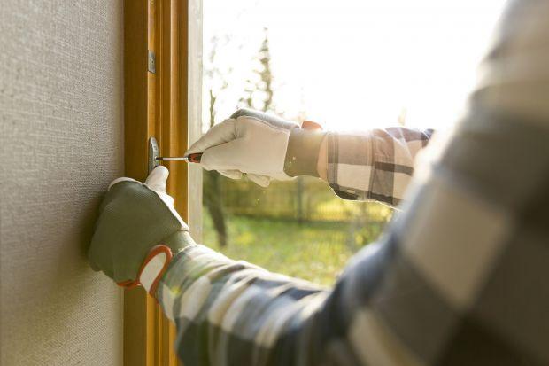 Jak przygotować okna i drzwi do zimy? Sprawdźcie!