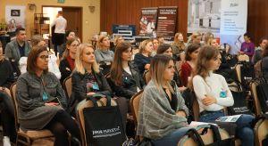 23 października Studio Dobrych Rozwiązań zawitało do Kielc. To pierwsze z tego cyklu spotkanie z projektantami i architektami wnętrz zorganizowane na ziemi świętokrzyskiej. W programie znalazły się m.in. prezentacje partnerów wydarzenia, dyskusj