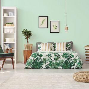 """Bardzo dobrym wyborem do sypialni może okazać się także pastelowy odcień """"Miętowy aromat"""". Fot.  Jedynka Deco & Protect"""