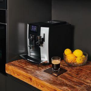 Ekspres do kawy E8 Platinum. Fot. Jura
