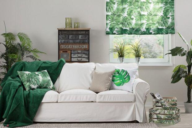 Sofa w salonie: pomysły na jesienne aranżacje