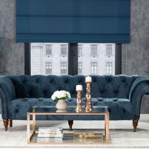 Sofa Chesterfield Glamour Velvet Midnight. Fot. Dekoria