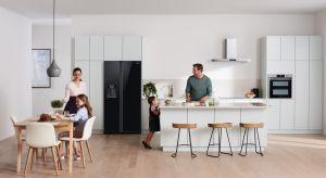W domu z trójką dzieci, pierwszym mieszkaniu młodej pary czy studenta – lodówka zawsze jest sercem kuchni. Umiejętnie wybrana zapewni idealne warunki przechowywania i będzie nam służyć przez lata. Na co zwracać uwagę przy wyborze tego urządz