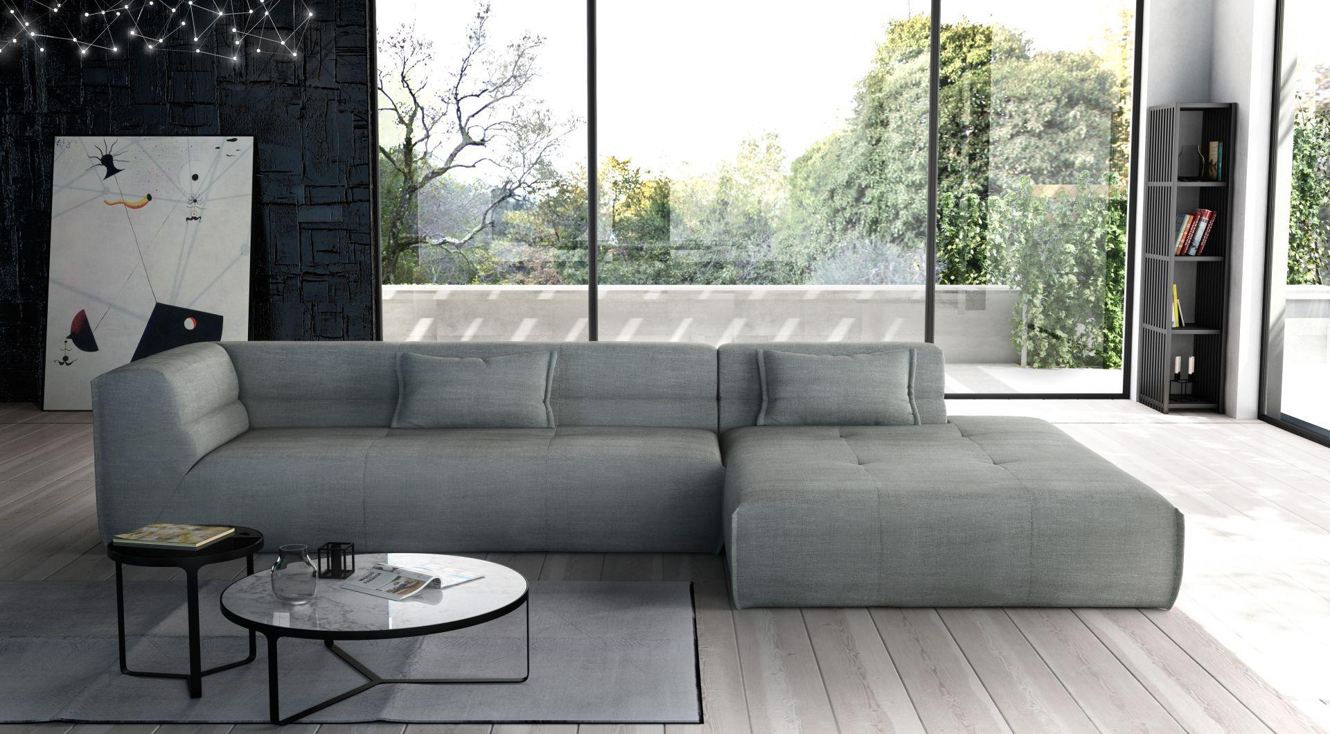 Charakter narożnika modułowego Piero podkreślają finezyjna lamówka oraz wyraźne pikowania. Fot. Adriana Furniture