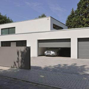 Dwukierunkowy system sterowania radiowego Bisecur pozwala na sterowanie napędami do bram garażowych i wjazdowych, drzwiami zewnętrznymi i innymi urządzeniami, za pomocą smartfona lub tabletu. Fot. Hörmann
