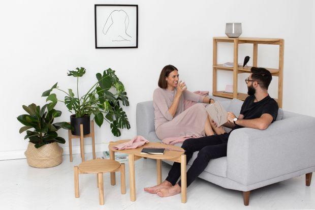 Meble jak nagie ciało: polsko-włoski duet projektuje w duchu minimalizmu